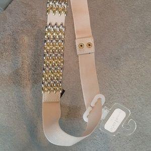 Elastic with metal front belt